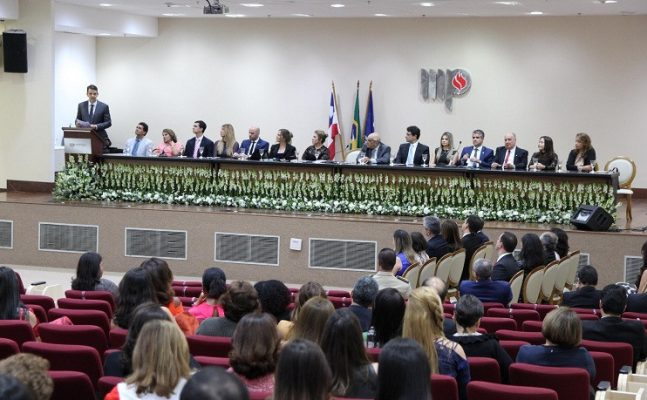 Posse_ampeb_2_1-647x400 Desembargador Lidivaldo Reaiche participa de posse da nova diretoria da Ampeb