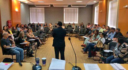 """curso-Liderança-Administrativa-e-Gestão-Emocional-3-445x244 Unicorp: Magistrados e Servidores participaram do curso """"Liderança Administrativa e Gestão Emocional"""""""