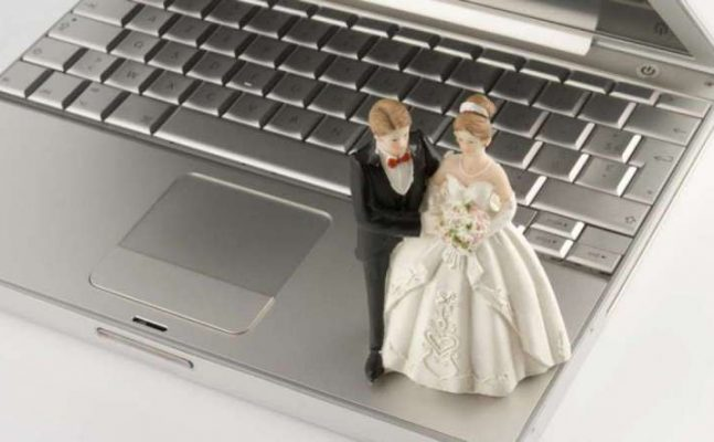 casamento-videoconferencia-647x400 CASAMENTO CIVIL POR VIDEOCONFERÊNCIA JÁ É UMA REALIDADE NA BAHIA